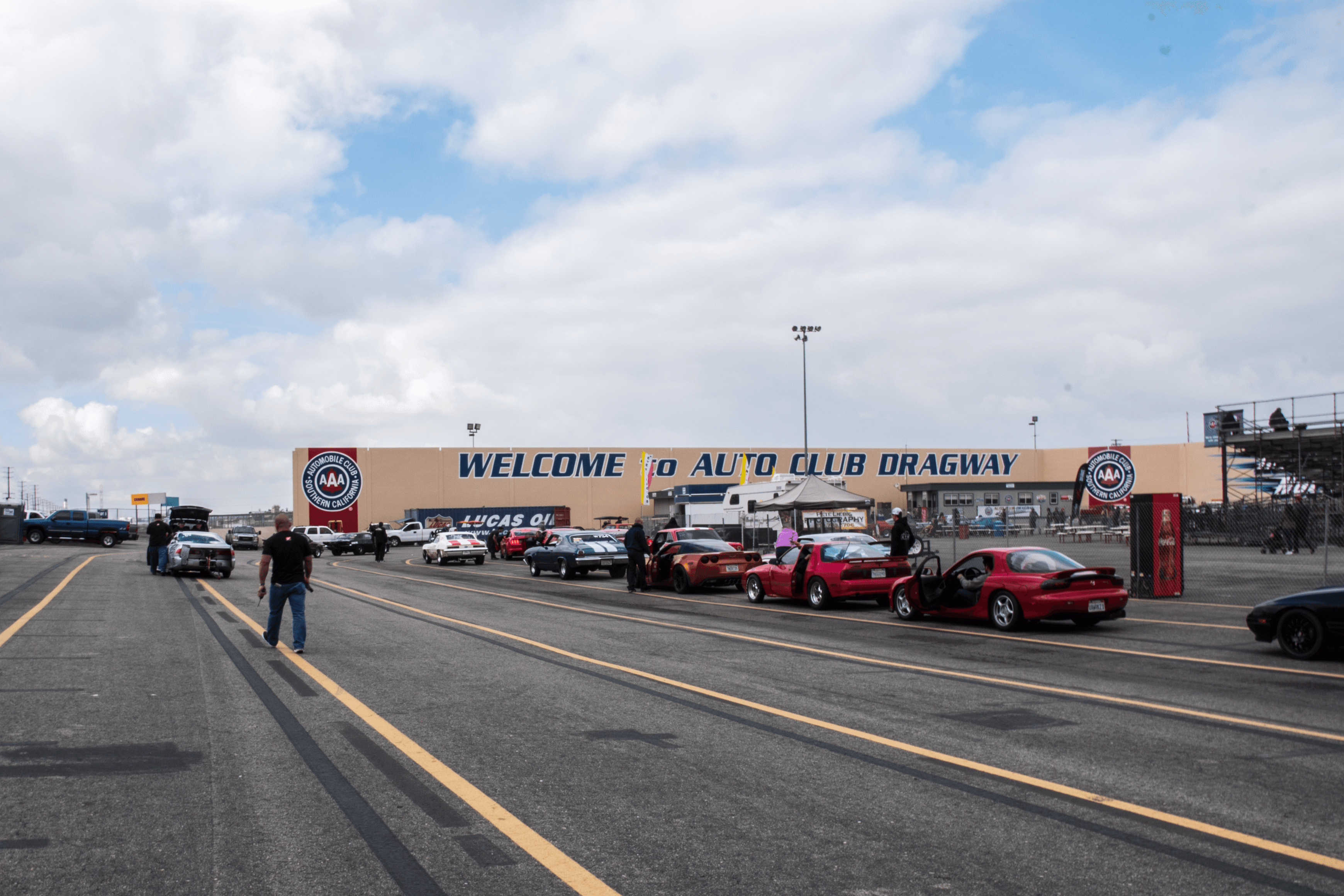 Welcome to Auto Club Dragway
